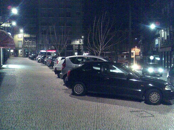 e por fim, na recente esplanada da Praça Guilherme Gomes Fernandes, em noite de fim-de-semana!